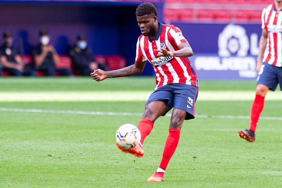 MADRID, SPAIN - OCTOBER 03: (BILD ZEITUNG OUT) Thomas Teye Partey of Atletico de Madrid controls the ball during the La Liga Santader match between Atletico de Madrid and Villarreal CF at Estadio Wanda Metropolitano on October 3, 2020 in Madrid, Spain. (Photo by Alejandro Rios/DeFodi Images via Getty Images)