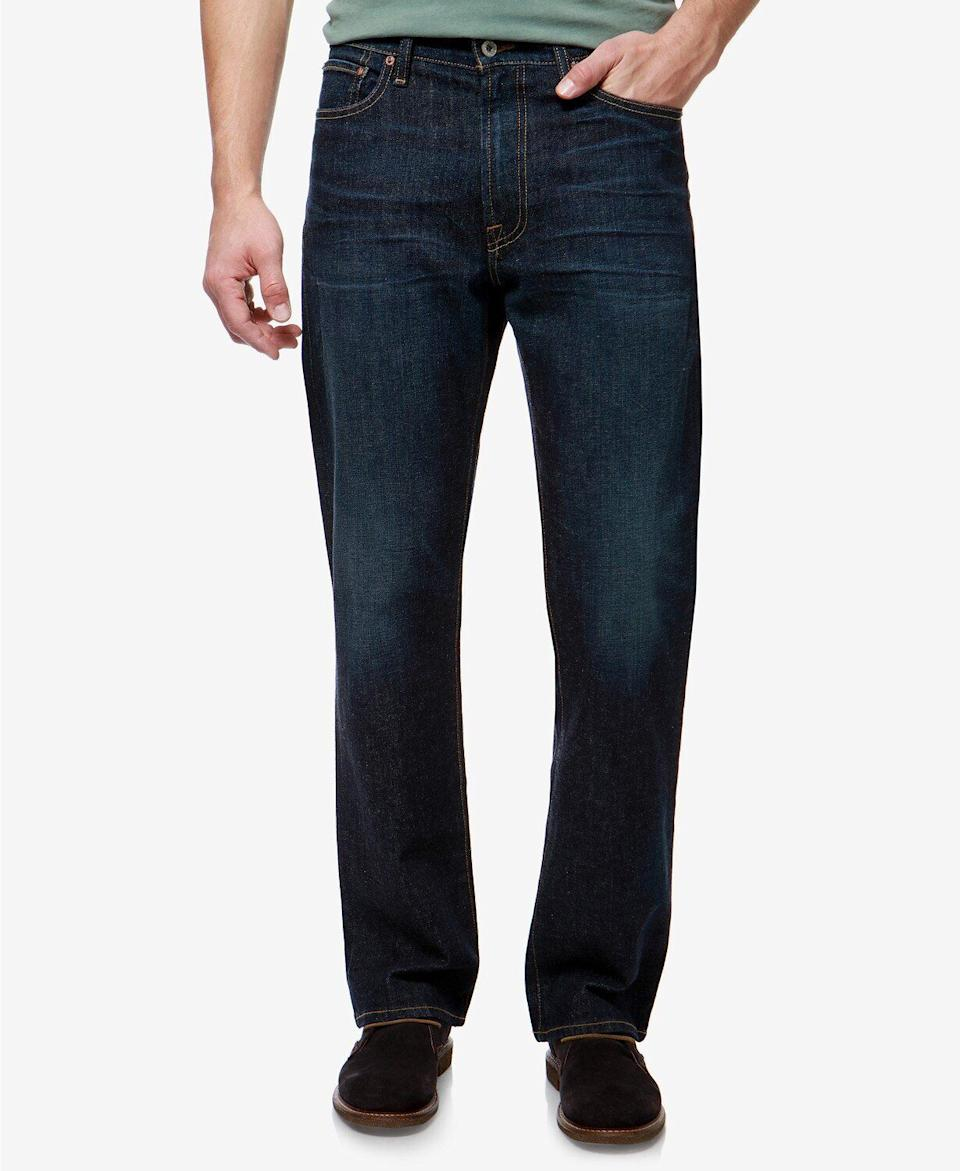 """These jeans have a loose fit, meant to be roomy and relaxed throughout. Plus, 91% of reviewers would recommend them. <a href=""""https://fave.co/36L8xhu"""" target=""""_blank"""" rel=""""noopener noreferrer""""><strong>Find this pair at Macy's</strong></a>."""