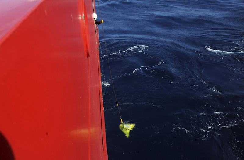 Malaysia Airlines MH370: Underwater Hunt for Black Box Starts