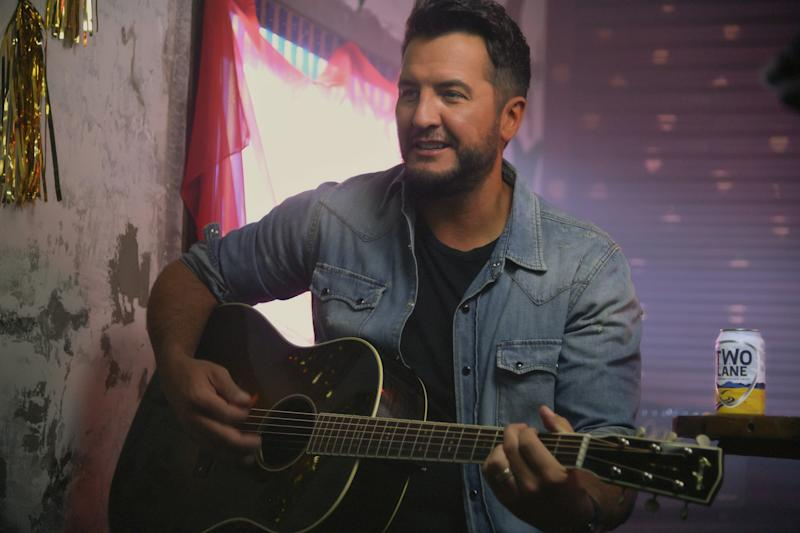 "Luke Bryan is sticking to his country roots, despite spending time in Hollywood for ""American Idol."" (Photo: Constellation Brands)"