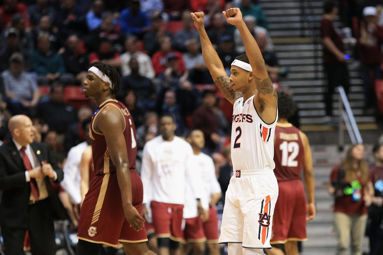 Auburn held off upset-minded Charleston on Friday in the first round of the NCAA tournament. (Getty)
