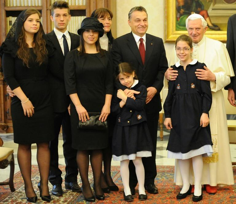 Orban and his family met Pope Benedict in 2010 (AFP/Alberto PIZZOLI)