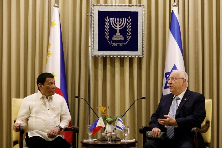 Israeli President Reuven Rivlin (R) meets Rodrigo Duterte on September 4, 2018, and gives the Philippine leader a brief lecture on Adolf Hitler in light of his 2016 remarks comparing himself to the Nazi dictator who carried out the Holocaust