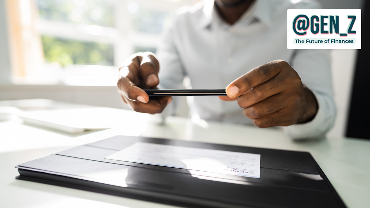 How To Steadiness a Checkbook Digitally — and Why You Ought to