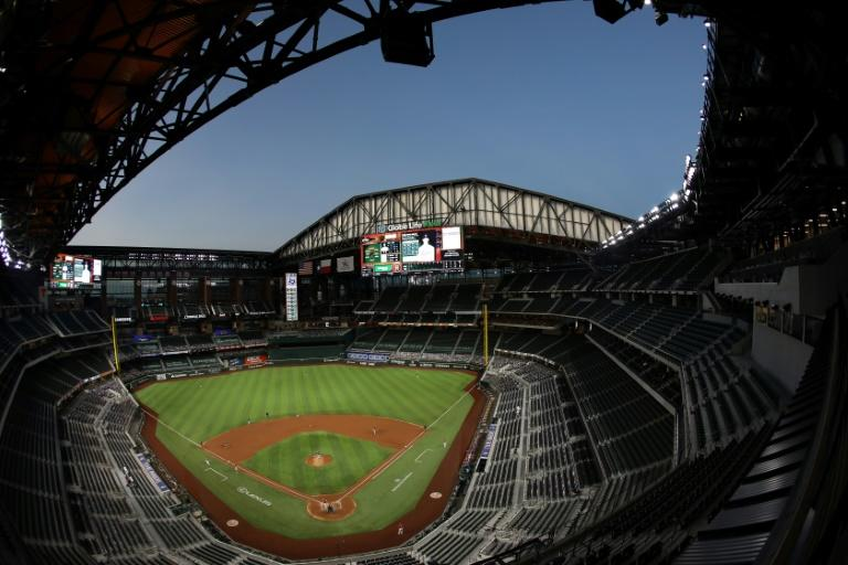 MLB plans to allow some 11,500 fans at World Series in Texas