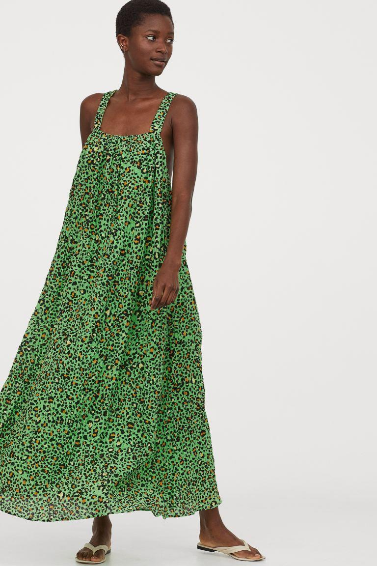 "H&M is <a href=""https://www2.hm.com/en_us/index.html"" rel=""nofollow noopener"" target=""_blank"" data-ylk=""slk:offering 10% sitewide today"" class=""link rapid-noclick-resp"">offering 10% sitewide today</a> — and that includes sale items. <br> <br> <strong>H&M</strong> A-line Cotton Dress, $, available at <a href=""https://go.skimresources.com/?id=30283X879131&url=https%3A%2F%2Fwww2.hm.com%2Fen_us%2Fproductpage.0895451002.html"" rel=""nofollow noopener"" target=""_blank"" data-ylk=""slk:H&M"" class=""link rapid-noclick-resp"">H&M</a>"