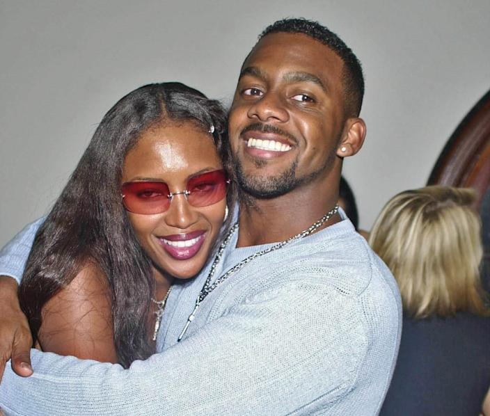 Richard Blackwood with stepsister Naomi Campbell in 2001. (Getty Images)