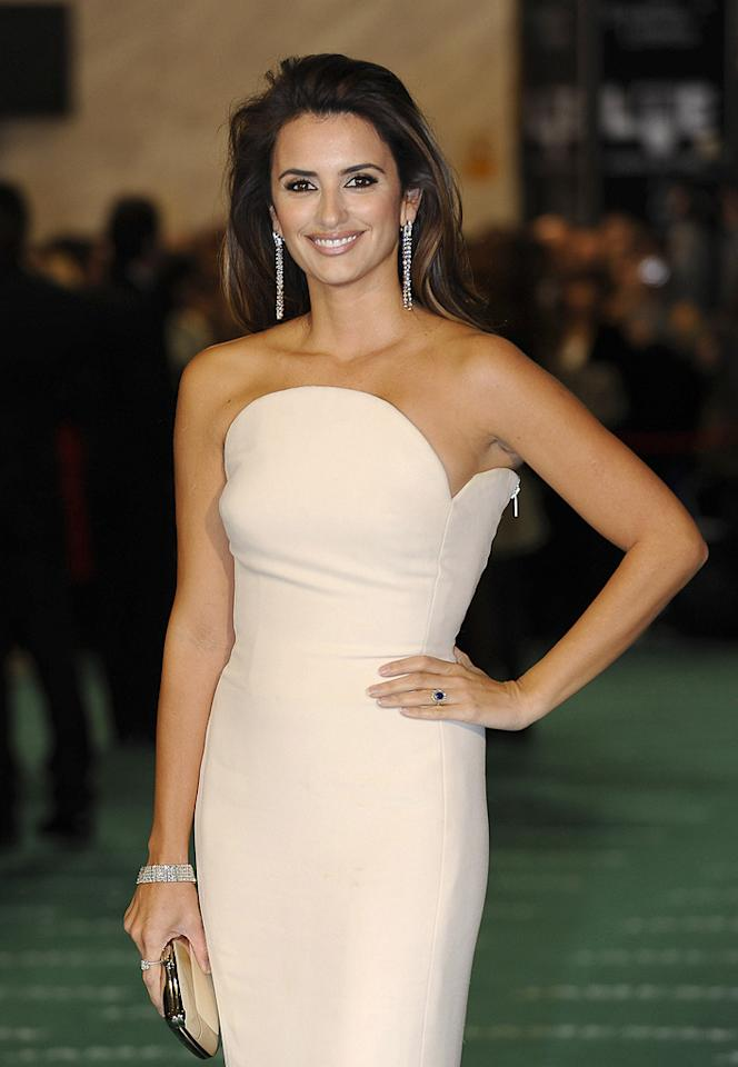 "<a href=""http://movies.yahoo.com/movie/contributor/1800019548"">Penelope Cruz</a> arrives to the 2010 edition of the 'Goya Cinema Awards' ceremony at the Palacio de Congresos on February 14, 2010 in Madrid, Spain."