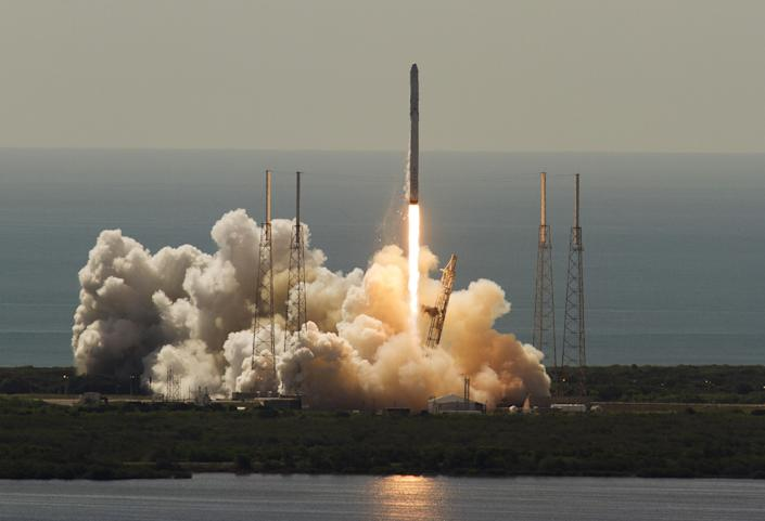 The Federal Aviation Administration gave its approval Friday for the private space launch company to resume flights.