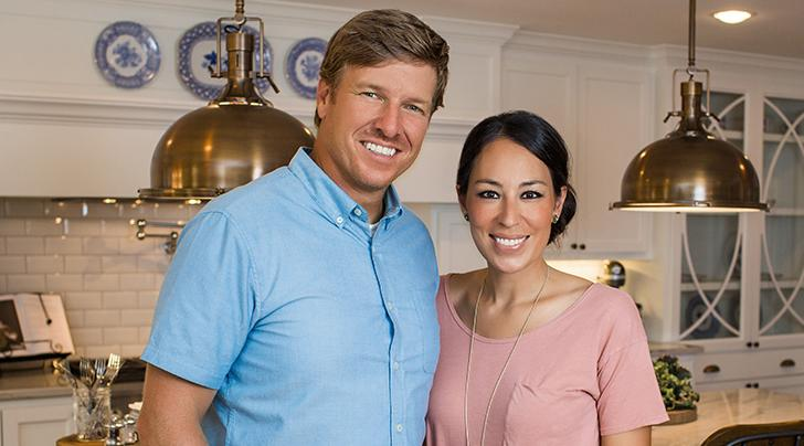 here 39 s why chip joanna gaines 39 s new show fixer upper behind the design is a must watch. Black Bedroom Furniture Sets. Home Design Ideas