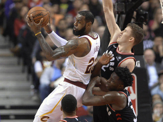 "<a class=""link rapid-noclick-resp"" href=""/nba/players/3704/"" data-ylk=""slk:LeBron James"">LeBron James</a> appears to be weary of the Cavaliers' recent struggles. (AP)"