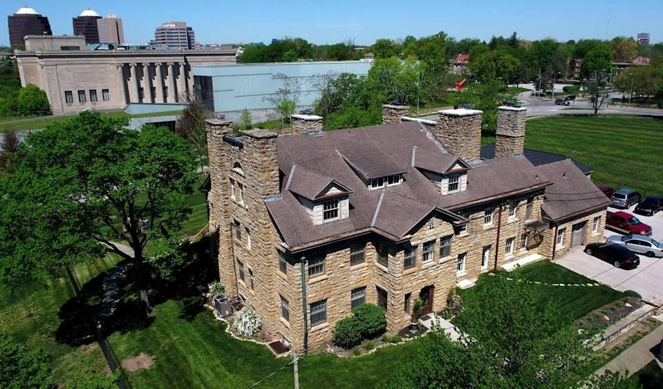 Kansas City house flippers Peter and Heather Caster bought the Rockhill Tennis Club, across from The Nelson -Atkins Museum of Art, for $485,000 in 2019. They plan to sell the renovated mansion for $2.5 million.