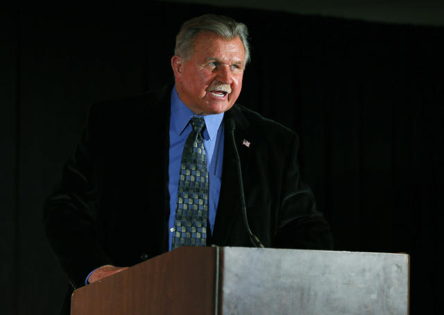 Mike Ditka says he doesn't get 'stink' over Redskins nickname controversy