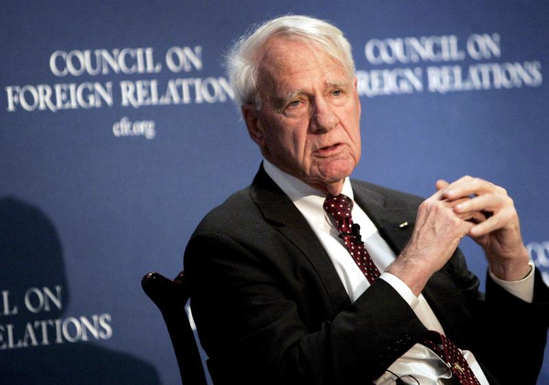 Former Secretary of Defense James Schlesinger speaks at the Council on Foreign Relations in New York in this file photo from December 18, 2006. Schlesinger, who served three U.S. presidents - Republican and Democrat alike - in the top posts at the CIA, Pentagon and Energy Department, died March 27, 2014 at age 85. REUTERS/Brendan McDermid/Files (UNITED STATES - Tags: POLITICS MILITARY OBITUARY)