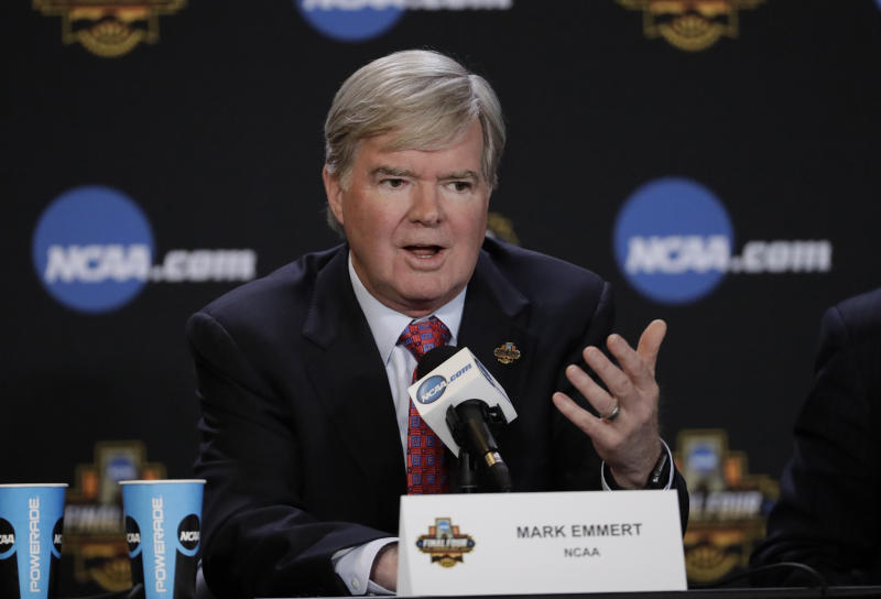 NCAA president Mark Emmert answers a question at a news conference Thursday, March 30, 2017, in Glendale, Ariz. (AP Photo/David J. Phillip)