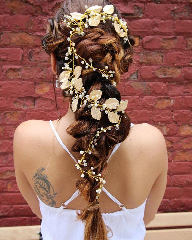 """<p>While this is more of a wedding or special occasion look, it's a good one to keep in mind as flowers add some visual interest and life to hair that may otherwise fall flat.</p><p><a href=""""https://www.instagram.com/p/BjmXkWqHUut/"""" rel=""""nofollow noopener"""" target=""""_blank"""" data-ylk=""""slk:See the original post on Instagram"""" class=""""link rapid-noclick-resp"""">See the original post on Instagram</a></p>"""