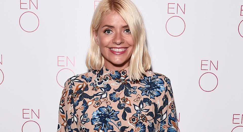 Holly Willoughby stuns in sell-out patterned skirt on 'This Morning', but we have found where to buy it.  (Getty Images)