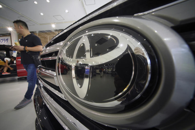 toyota logs record 1q profit cuts full year sales outlook
