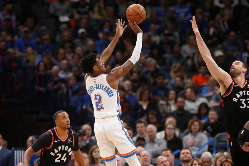 Powell's 23 help Raptors hold off Thunder 130-121