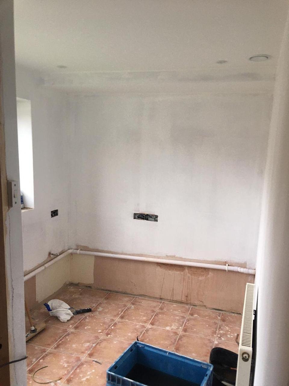 <p>What once was a dumping ground is now a stylish and practical office space Ashley can use each day. Taking the fifth spot, we're pretty impressed with the outcome. Take a look...</p>