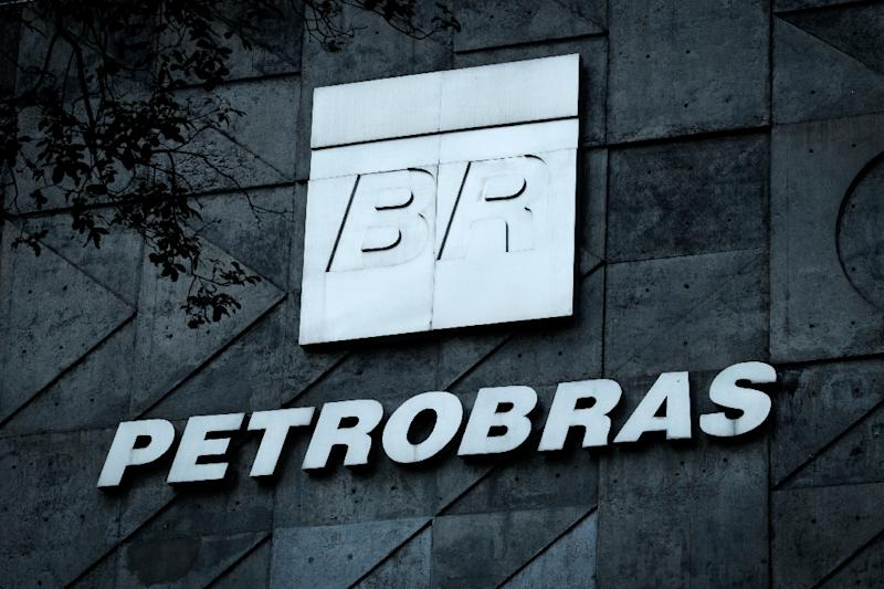 Petrobras Streamlines Business to Survive Graft Probe, Oil Bust