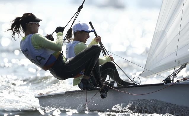 2016 Rio Olympics - Sailing - Preliminary - Women's Two Person Dinghy - 470 - Race 8/9/10 - Marina de Gloria - Rio de Janeiro, Brazil - 16/08/2016. Camille Lecointre (FRA) of France and Helene Defrance (FRA) of France compete. REUTERS/Benoit Tessier FOR EDITORIAL USE ONLY. NOT FOR SALE FOR MARKETING OR ADVERTISING CAMPAIGNS.