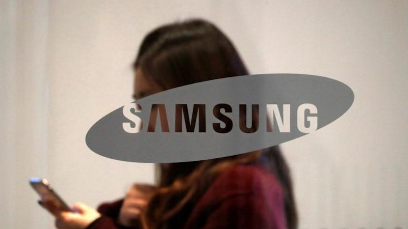 Samsung shares rise by 2.7 percent following rival Huawei's US trade ban