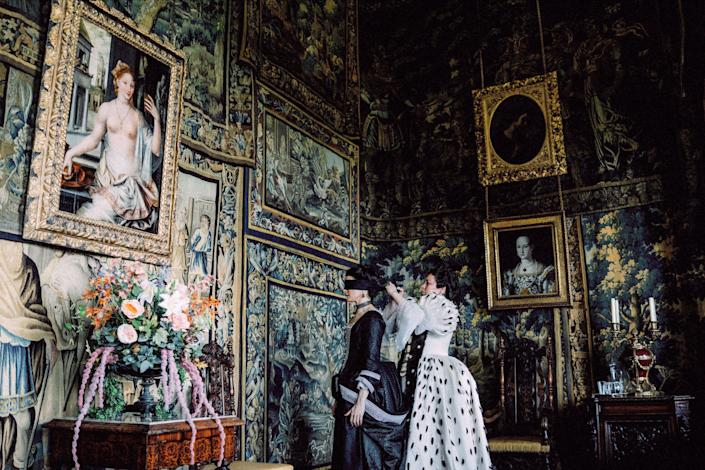 """<h1 class=""""title"""">RACHEL WEISZ, OLIVIA COLMAN, THE FAVOURITE, 2018</h1> <div class=""""caption""""> Directed by Yorgos Lanthimos, <em>The Favourite</em> was nominated for 10 Oscars, winning just one for Olivia Colman as Best Actress. </div> <cite class=""""credit"""">Photo: APL Archive / Alamy Stock Photo</cite>"""