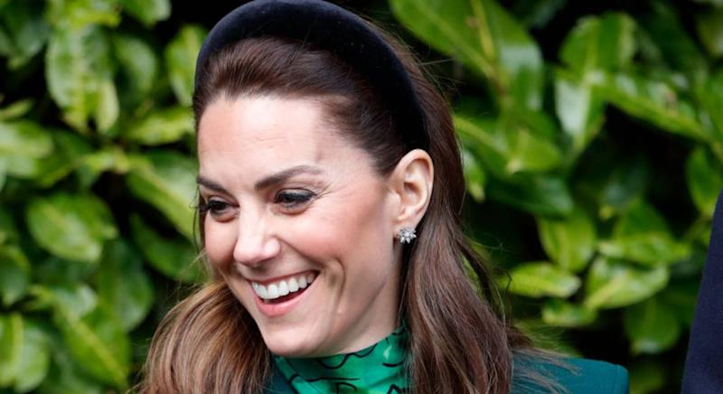 The Duchess of Cambridge wears padded velvet headband. (Getty Images)