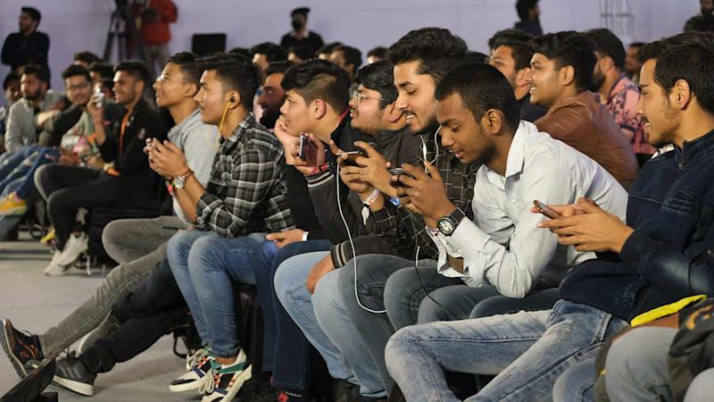 A rapt audience attempts to take down Dynamo in a special round of PUBG Mobile. Image: Anirudh Regidi/Tech2