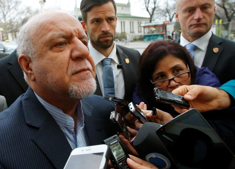 Iran's Oil Minister Bijan Zangeneh talks to journalists as he arrives at his hotel ahead of a meeting of OPEC oil ministers in Vienna, Austria, December 3, 2015. REUTERS/Heinz-Peter Bader