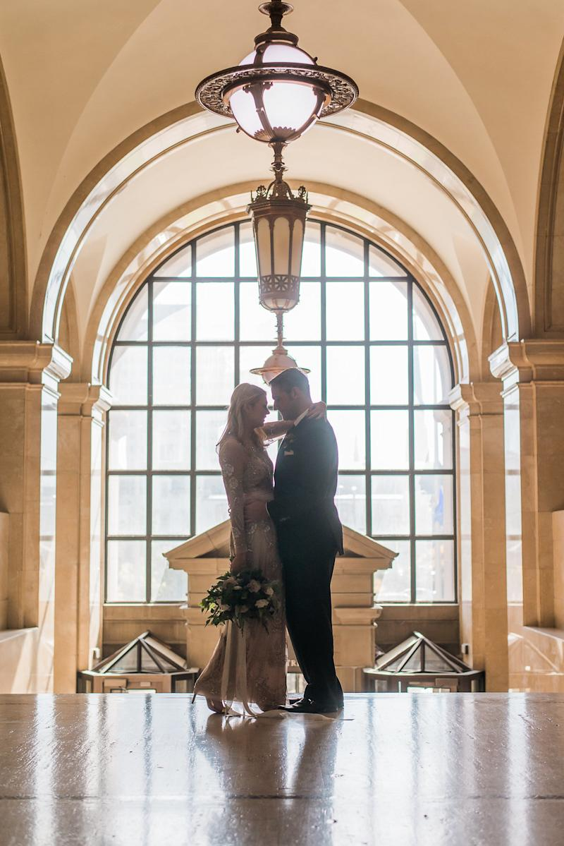 The couple said they love the grandeur of the Milwaukee County Courthouse building. (Heather Cook Elliott Photography)