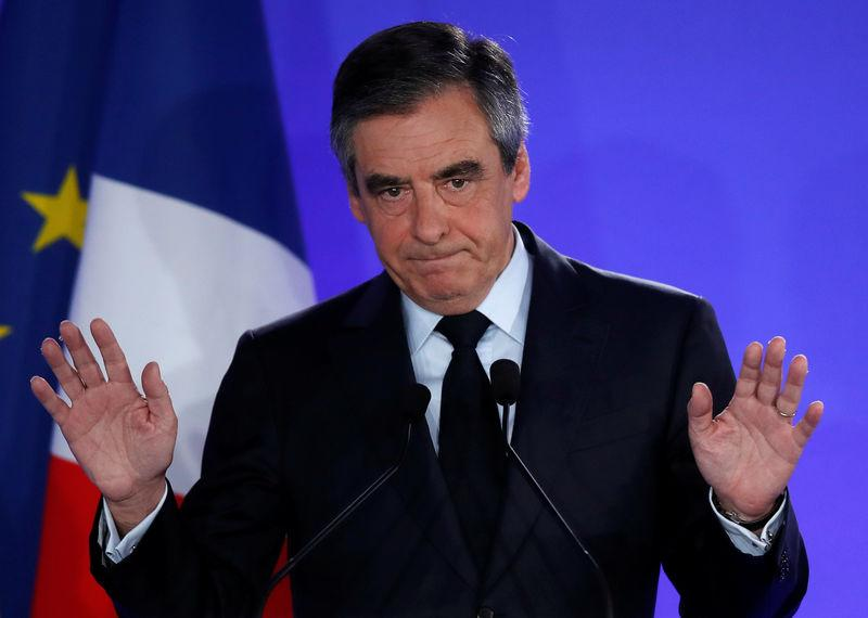 "FILLON APPELLE AU ""BON SENS"" CONTRE LE PEN"