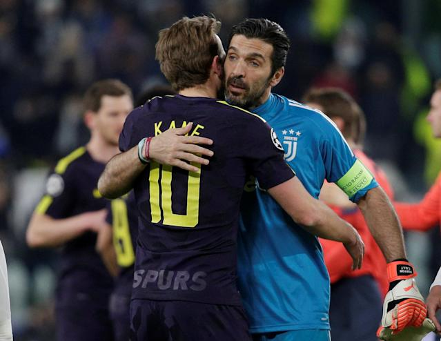 Soccer Football - Champions League - Juventus vs Tottenham Hotspur - Allianz Stadium, Turin, Italy - February 13, 2018 Tottenham's Harry Kane and Juventus' Gianluigi Buffon after the match REUTERS/Max Rossi
