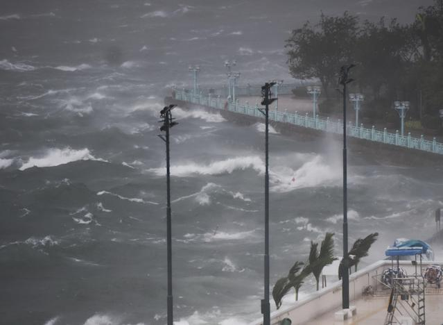 <p>View of Victoria Harbor in Hong Kong, south China on aug. 23, 2017. Hato, the 13th typhoon to hit China this year, made landfall in the city of Zhuhai in southern China's Guangdong Province at noon Wednesday. Influenced by outer rainband of Hato, strong wind and rain affected Hong Kong and a tropical cyclone warning was issued by Hong Kong Observatory. (Xinhua/Wang Shen via Getty Images) </p>