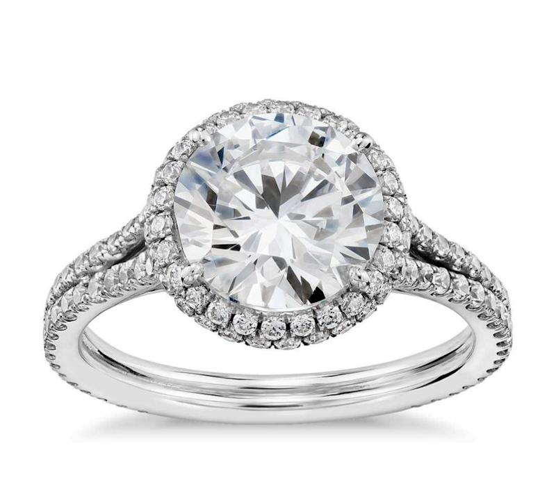 A former royal jeweller thinks harry will propose with a diamond halo ring. Source: Blue Nile