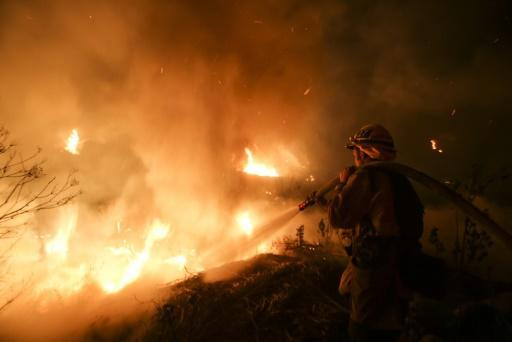 <p>New blaze ignites near LA as fierce California wildfires rage</p>