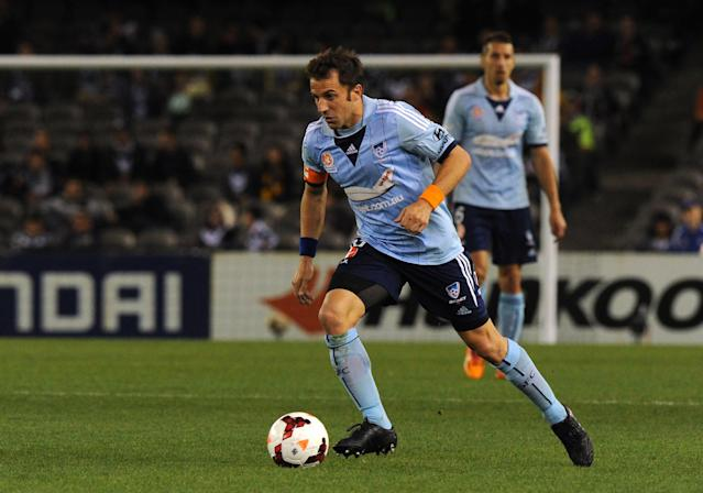Sydney FC player Alessandro Del Piero controls the ball during their A-League football elimination match against the Melbourne Victory in Melbourne on April 18, 2014 (AFP Photo/Mal Fairclough)