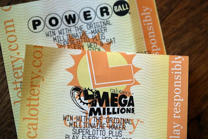Mega Millions numbers drawn for $521 million jackpot