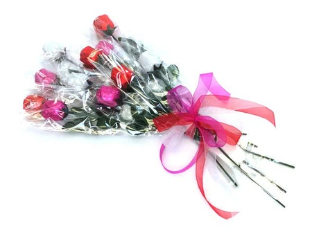 """<strong><h3>Long-Stemmed Chocolate Roses</h3></strong><br>The OG of edible bouquets: a dozen long-stemmed chocolate roses — each bloom is crafted out of rich milk chocolate and comes individually wrapped in your choice of foil color.<br><br><strong>Old Time Candy</strong> Create A Chocolate Roses Bouquet, $, available at <a href=""""https://go.skimresources.com/?id=30283X879131&url=https%3A%2F%2Fwww.oldtimecandy.com%2Fproducts%2Fchocolate-roses-bouquet"""" rel=""""nofollow noopener"""" target=""""_blank"""" data-ylk=""""slk:Old Time Candy"""" class=""""link rapid-noclick-resp"""">Old Time Candy</a>"""
