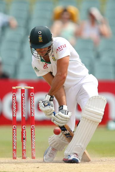 Faf du Plessis of South Africa bats during day five of the Second Test Match between Australia and South Africa at Adelaide Oval on November 26, 2012 in Adelaide, Australia.  (Photo by Cameron Spencer/Getty Images)