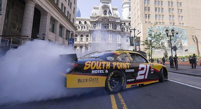 PHILADELPHIA, Pa. (April 17, 2019) -- For the fourth-consecutive year, Comcast, Pocono Raceway and Dover International Speedway are coming together to bring NASCAR to the city of Philadelphia on Tuesday, May 14 and Wednesday, May 15. The NASCAR Xfinity Series Philadelphia Takeover will bring 18 drivers to the city to greet fans and promote the […]