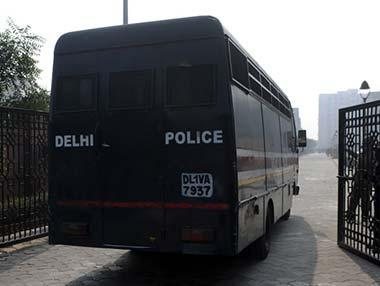 Encounter breaks out in Delhi's Connaught Place; three chain-snatchers arrested, one flees spot