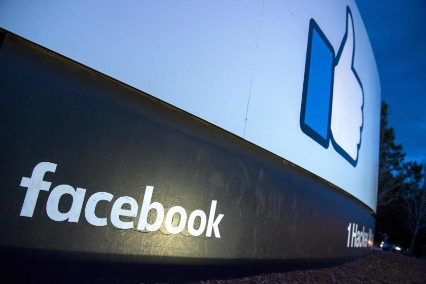"""Countless businesses collect, use, share and sell consumer data. The largest tech companies, like Facebook and Google, profit most. <span class=""""copyright"""">(Josh Edelson / AFP / Getty Images)</span>"""
