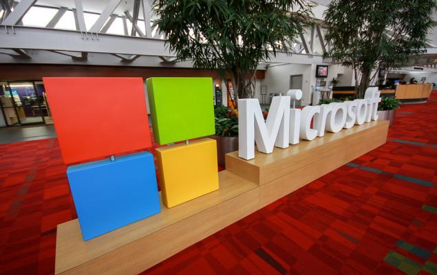 Microsoft (MSFT)-FedEx Partner on Digital Overhaul of Commerce