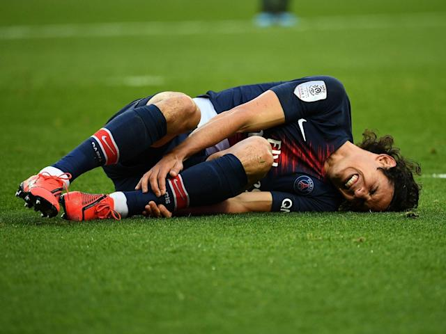 Manchester United news: PSG's Edinson Cavani ruled out of Champions League last-16 tie