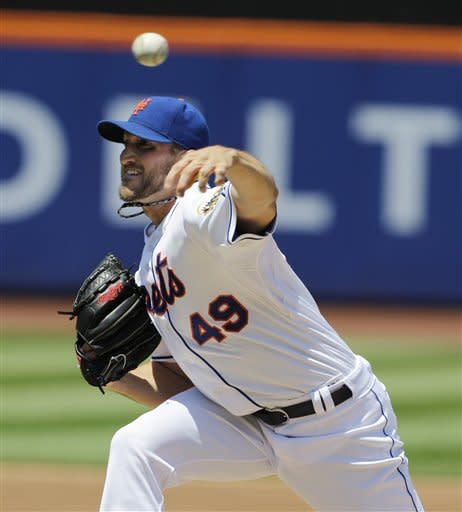 New York Mets Jonathon Niese delivers in the second inning against the Los Angeles Dodgers during their baseball game at Citi Field in New York, Sunday, July 22, 2012. (AP Photo/Kathy Willens)