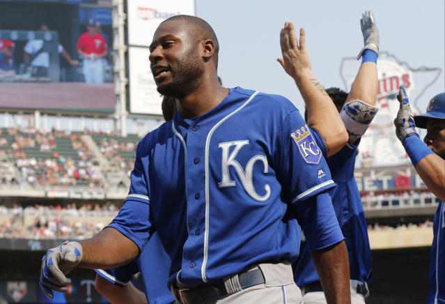 Lorenzo Cain has agreed to a $80 million deal with the Milwaukee Brewers. (AP)