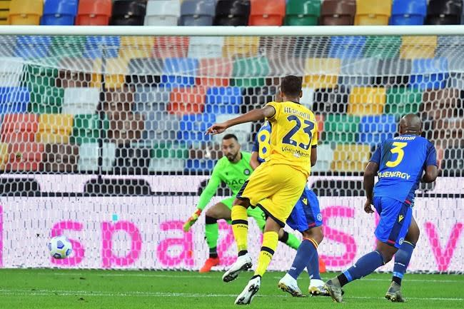 Sassuolo scores 3 goals in 13 minutes to beat Bologna 4-3