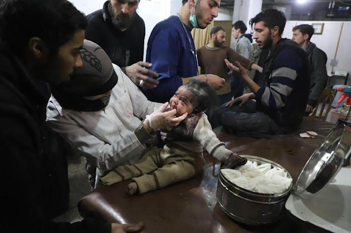An estimated 400,000 Syrian civilians are trapped in Eastern Ghouta (AFP Photo/AMER ALMOHIBANY)